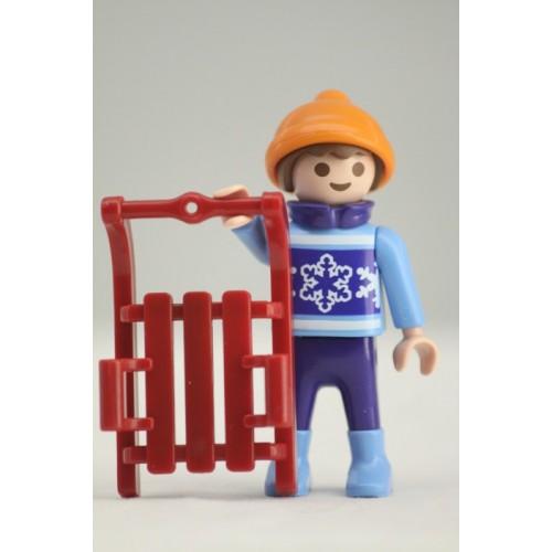 «Мальчик с санками» PM001088