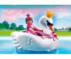 Принцесса на лодке-лебеде
