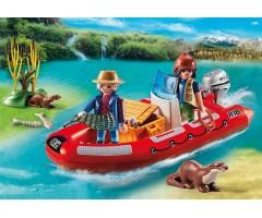 Лодка с браконьерами