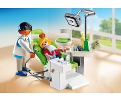 Дантист с пациентом