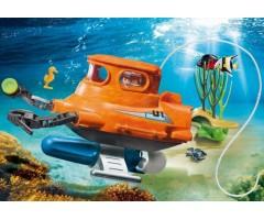 Подводная лодка с двигателем