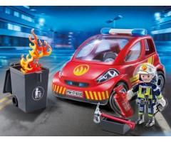 Пожарник с машиной