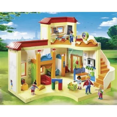 Такие разные игрушечные дома