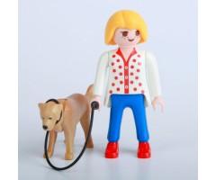 PM010 Девочка с собакой